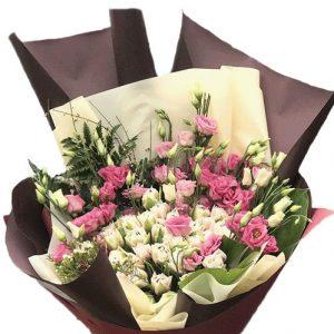 Кустовая роза с эустомой фото букета