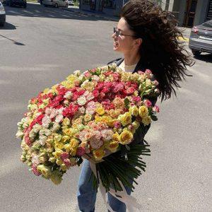 самый большой букет кустовой розы в Украине